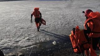 Спасение рыбака в 500 метрах от берега. Real video