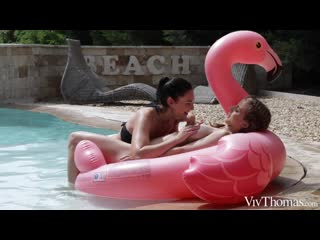 Emelie Crystal and Lee Anne - Wet And Wild [Lesbian]