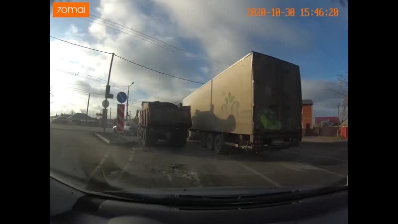 И опять авария на пересечении ул Кирова и Барабинская