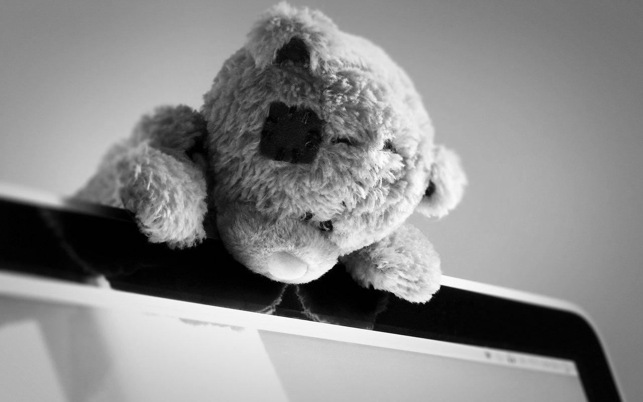 Самые грустные картинки на телефон