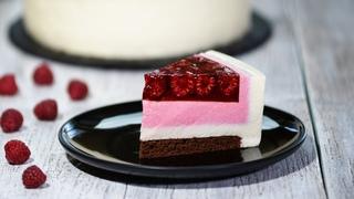 Муссовый торт с малиной