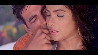 Aayega Maza Aab Barsaat Ka,   akshy Kumar Priyanka Chopra,   Full Video Song, Alka Yagnik