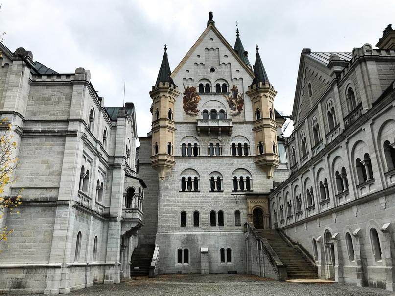 Внутренний двор замка Нойшванштайн