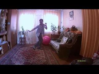 О, крошка, я танцую немножко *** Сорвись пломба, а я секс бомба!