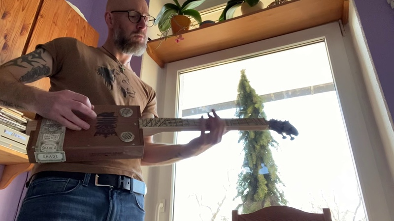 My Cigar Box Guitar 2