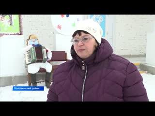 Снеговики из книг, дров и стаканчиков- в Половинском районе креативят
