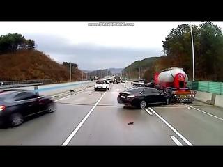 Корея. Гололёд. ДТП(Korea. Ice. Accident)(대한민국. 도로의 얼음. 사고. 교통 사고)
