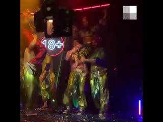 Жаркие танцы экс-звезды «Уральских пельменей» Юли Михалковой для нового сериала