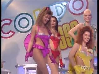Mediaset Extra - Colpo Grosso. Стриптиз. Много голых девушек. Большие сиськи. Публичное обнажение. Частное домашнее порно (133)