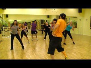 Clap Your Hands - 2NE1 - Korean Hip Hop - Zumba Fitness w_ Bradley
