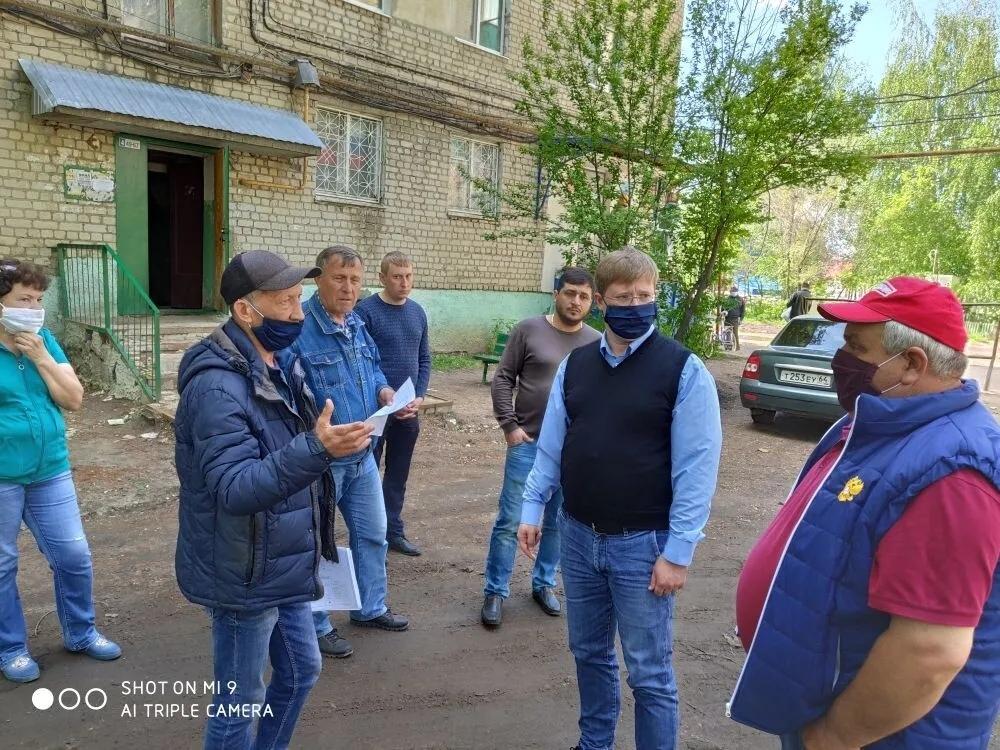 Глава Петровского района проконтролировал начало работ в рамках программы «Формирование комфортной городской среды»