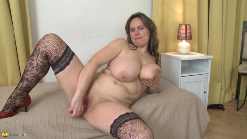 Olarita (37) Mature woman with big natural tits ( Housewife Big breasts Masturbation Solo