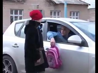 Грабители изнасиловали молодую школьницу( домашнее секс видео, отец и дочь...