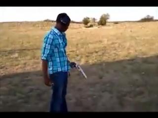 Черный и большой пистолет