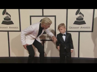 Etcanada: .@justinbieber making hearts melt everywhere tonight by bringing his little bro to #grammys