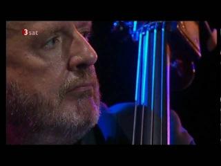 A Nightingale Sang In Berkeley Square - Niels Henning Ørsted-Pedersen and Ulf Wakenius