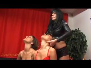 О.шея!two-gorgeous-throats-(neck-fetish)- (1)