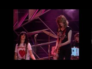 Girlschool - Hit And Run (TOTP 1981) HD