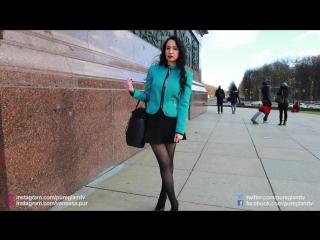 Fashion lookbook berlin siegessäule - winter outfits - neoprene outfit mit minirock und high heels
