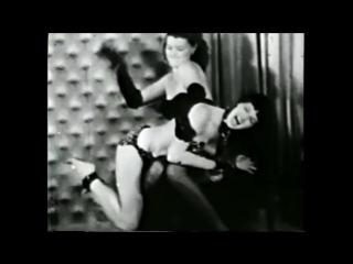 Bettie page gets spanked (+18, boobs, spanked, порка, бдсм, госпожа, bdsm, fetish, бондаж, фетиш, рабыня, фемдом, соски, erotic)