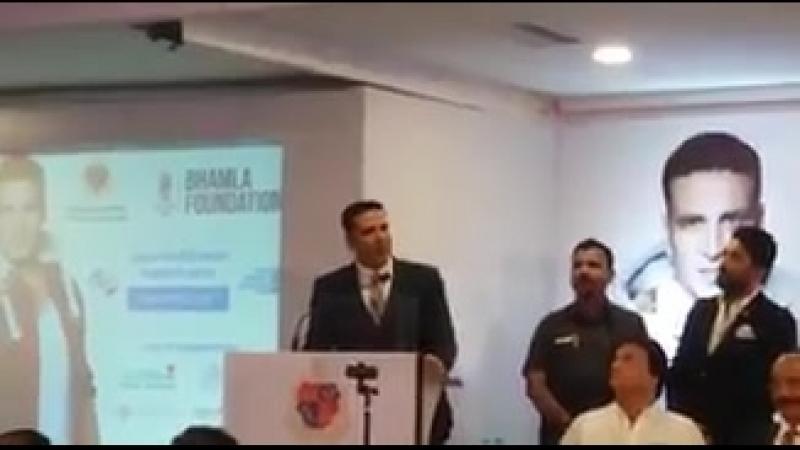 Акшай Кумар даёт ценные советы для здоровья на открытии компании MCGM Jaan Bachao