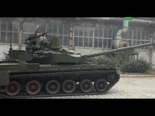 Ляшко на танке пообещал доехать до Москвы: видео