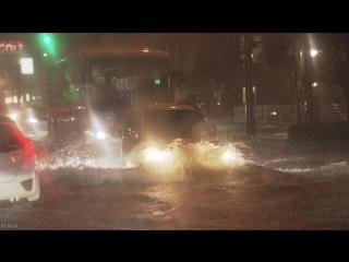 Сильный ливневый дождь затопил улицы японского города Миядзаки,