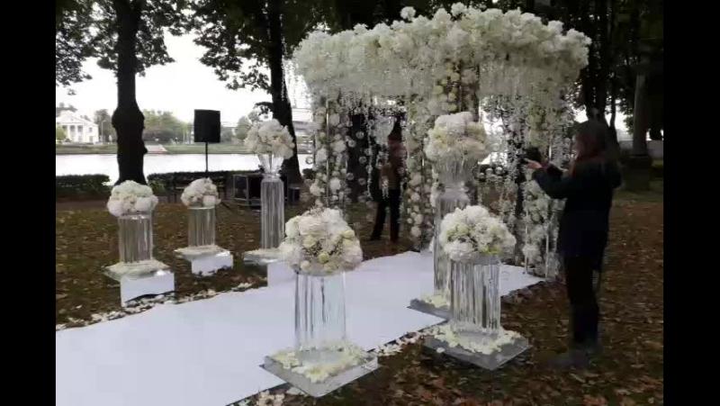Ледяные скульптуры в оформлении свадьбы. Выездная регистрация на Правительственной резиденции К2 7-905-204-77-53