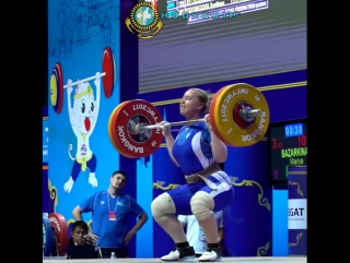 Mariya Bazarkina (75kg, 17y/o) clean and jerking 105kg/231lb at the 2017 Youth Worlds.