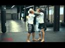 Тайский бокс с чемпионом мира перехватываем инициативу в клинче Обучающее видео от 4ММА nfqcrbq jrc c xtvgbjyjv vbhf gtht