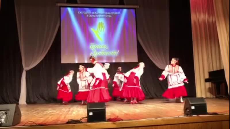 хореографический ансамбль Волжаночка, Чувашский девичьий танец