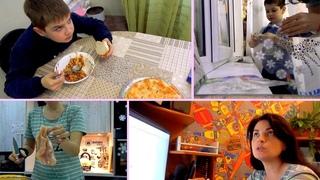 VLOG: Готовлю/  Домашняя школа /Мариную куриное филе / Мама Вика