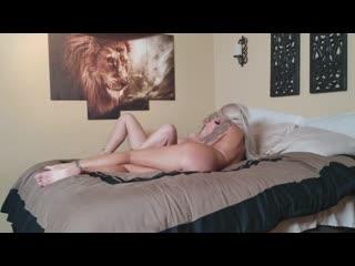 Парень трахает 2 шлюх, ЖМЖ milf sex porn group orgy home milf mom girl woman tit ass boob pussy bang mature whore(Hot&Horny)