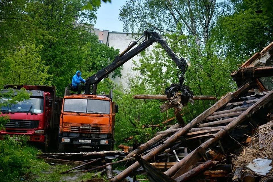 В Ярославле снесли последний аварийный дом на 1-ой Приволжской
