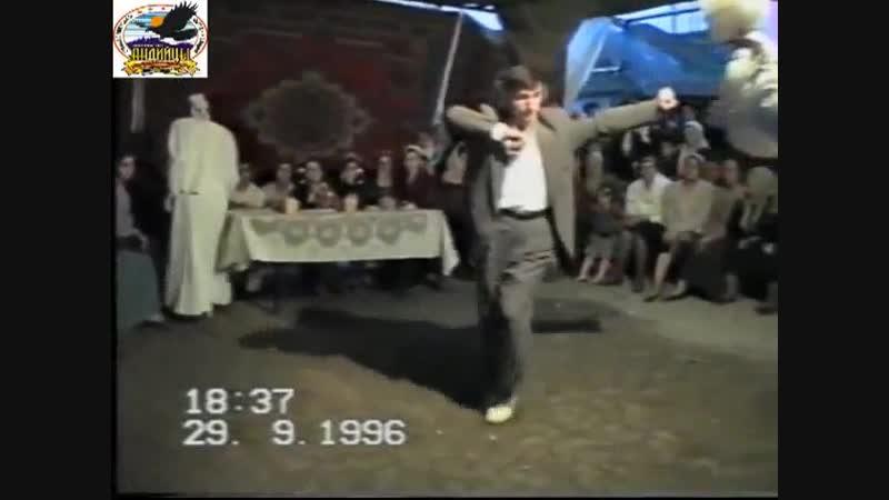 Махач Магомедов Поет На Чеченском – Андийская Свадьба 1996