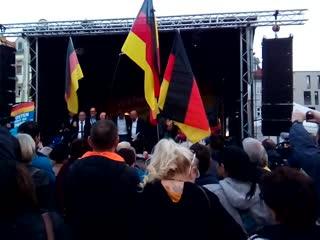 Egon dombrowsky afd-abschlussveranstaltung thüringenwahl 2019 4 wir singen gemeinsam die deutsche nationalhymne