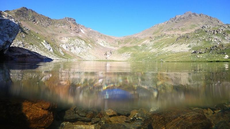 Долина р Аксаут и погружение в высокогорное озеро Халега