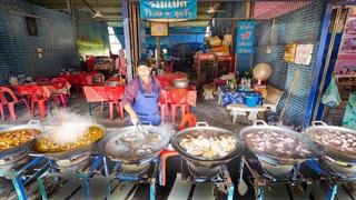 Extreme Thai Street Food - JACUZZI MEAT PARADISE! | Hat Yai (หาดใหญ่), Thailand