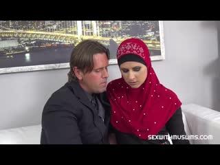 Секс с большегрудой мусульманкой Sex With Muslims Billie Star CZECH