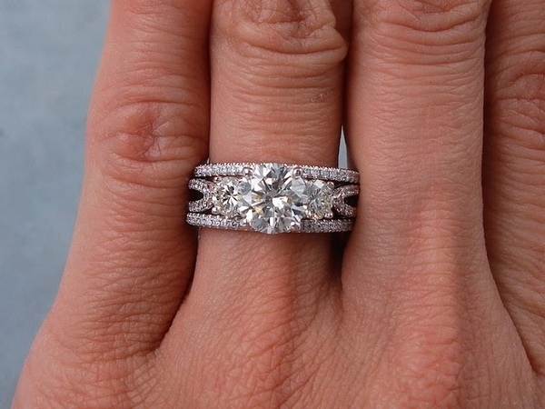 2.30 ctw Round Cut Diamond Engagement Ring and Wedding Band Set H VS2 - BigDiamondsUSA