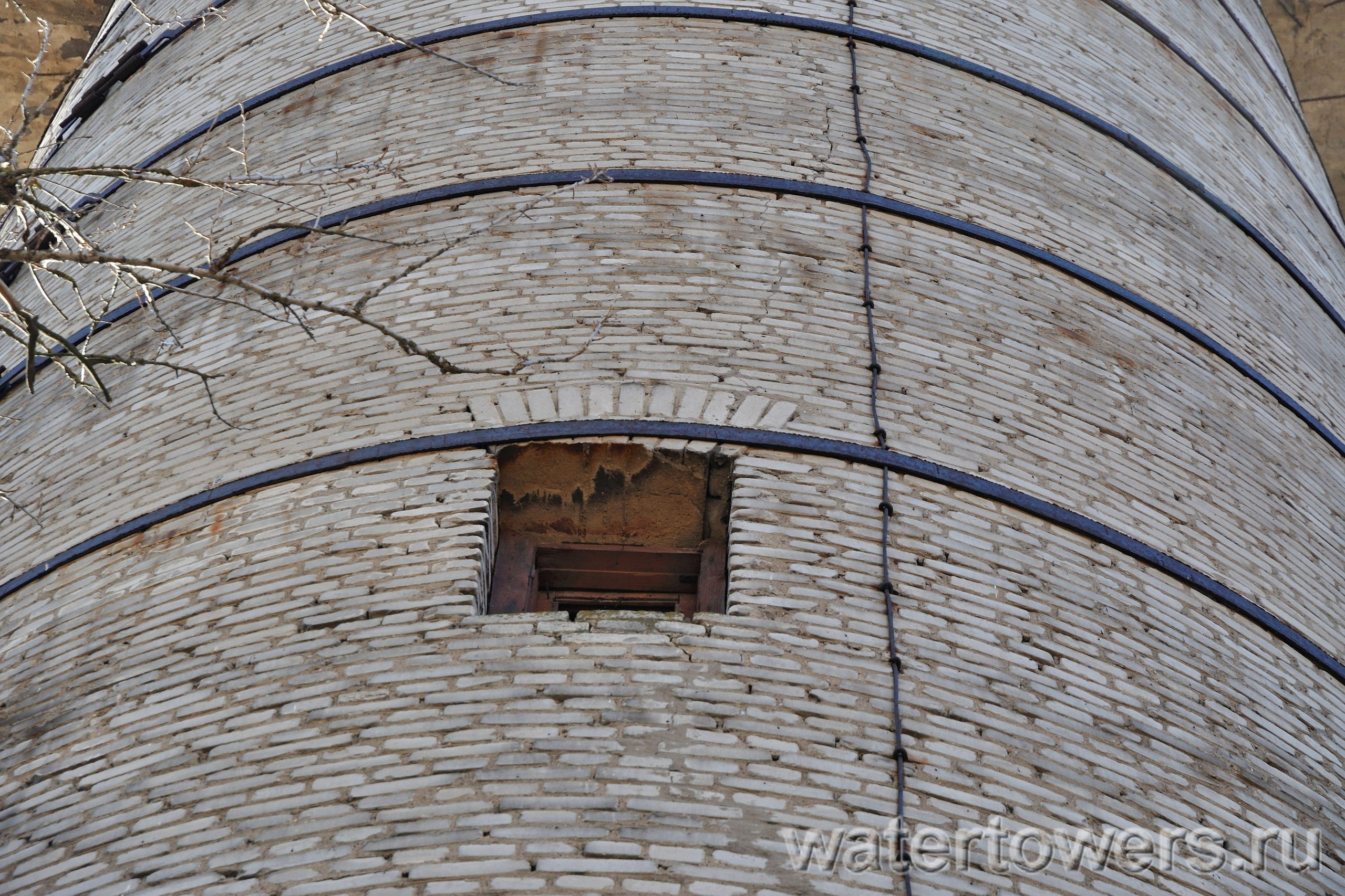 Бетон в часцах сверлю бетон