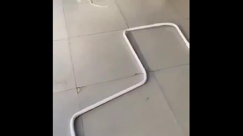 Прокладка кабеля с помощью инструмента