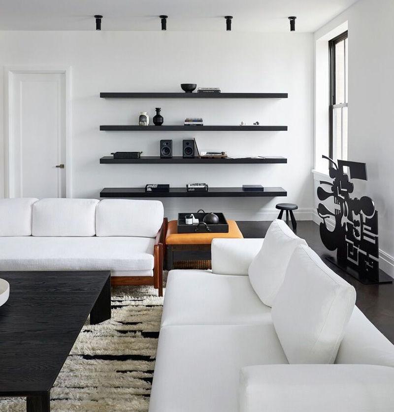 Стильные апартаменты с необычной дизайнерской мебелью в Нью-Йорке