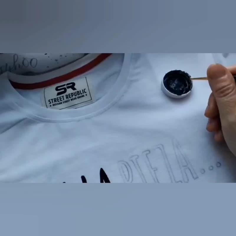 Процесс создания парных футболок