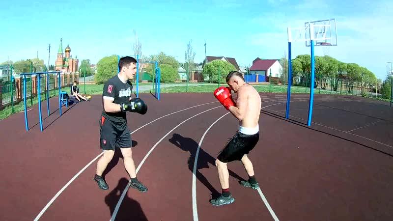 Спарринг бокс против махача на улице Преимущество технико тактического ведения боя