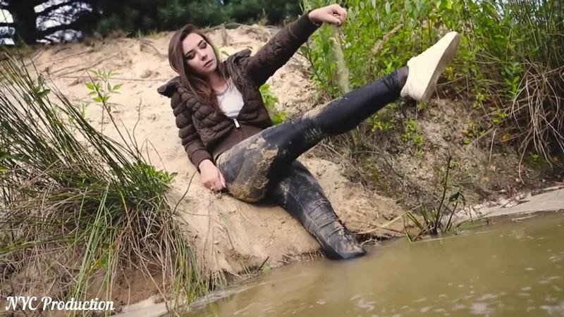 Wet Model Martina Swimming İn The Pond Wetlook