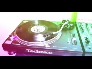 Erick E - (A) Keep On Making Noise (Original)