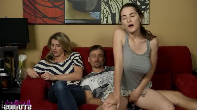 Порно Видео Ебу Дочку При Жене