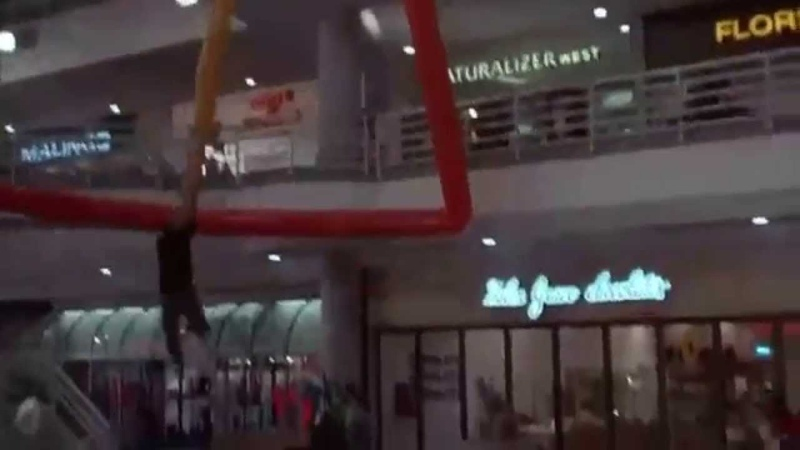 Commando Mall Swinging Scene