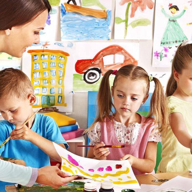 Педагог-психолог может изучать стандартизированное тестирование, чтобы найти предвзятость в классе или в расе.